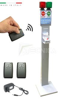 kit-semaforo-con-piantana-dispenser-gel-per-gestione-ingressi-locali-commerciali-atecnica.jpg